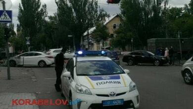 Photo of В Корабельном столкнулись «Шевроле» и «Хюндай» — пострадала девушка (Фото)
