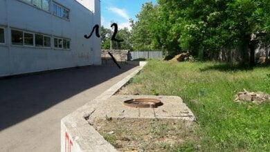 Photo of Житель Корабельного района пожаловался на открытые люки возле «ЭКО-маркета»