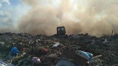 Photo of Облако дыма с диоксином от пожара на мусорной свалке ветер сносил в направлении Корабельного района (Видео)