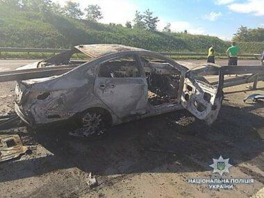 Герой-водитель спас на Николаевщине двух человек из пылающего авто (видео)