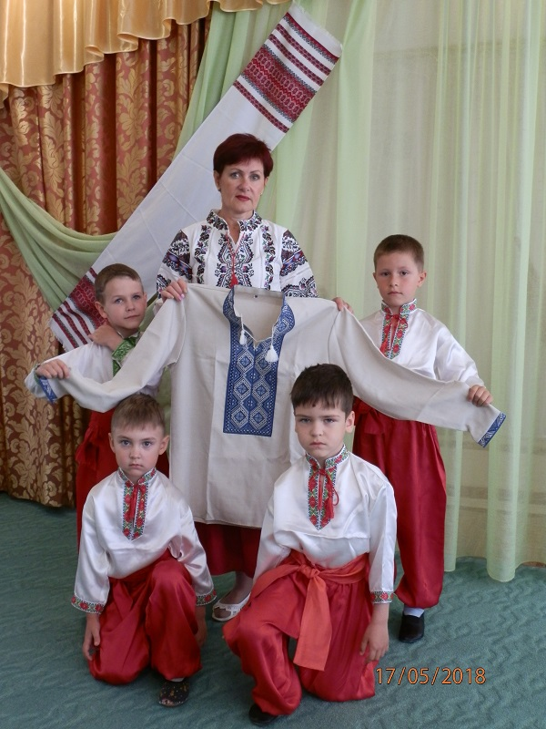 И малыши, и взрослые Корабельного района творчески отметили День вышиванки