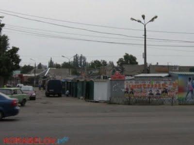 """Photo of Сенкевич подтвердил, что рынок """"Феникс"""" в Корабельном районе стоит незаконно (Видео)"""
