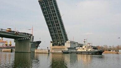 Photo of Завтра в Николаеве на час разведут Ингульский и Варваровский мосты
