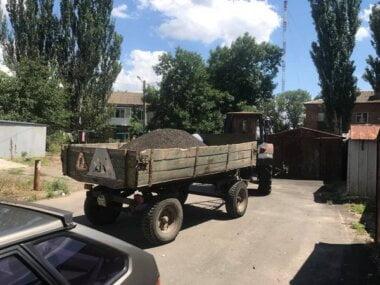 Полиция поймала на продаже асфальтной крошки сотрудников КП, которым руководит депутат горсовета от Корабельного района