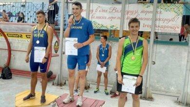 Николаевский спортсмен установил юниорский рекорд Украины в беге с барьерами | Корабелов.ИНФО image 1