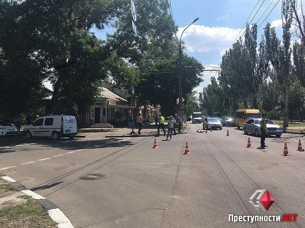 В Николаеве «маршрутка» насмерть сбила пожилого мужчину