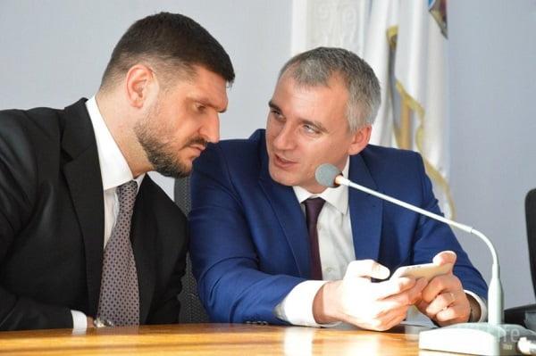 Photo of «У Президента решили дать второй шанс Савченко и Сенкевичу, чтобы улучшить показатели во втором туре выборов», — Садыков