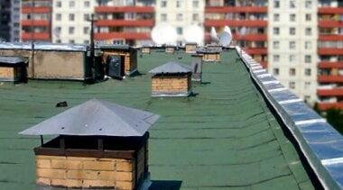 Рабочий в Николаеве упал с крыши и от полученных травм скончался в больнице