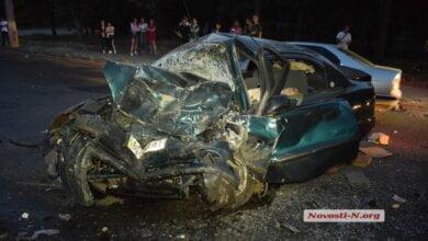 В Николаеве лоб в лоб столкнулись «Ланос» и «Мицубиси»: водитель погиб, двое пострадавших | Корабелов.ИНФО image 2