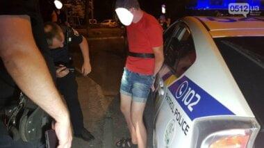 Двое парней в центре Николаева изнасиловали 12-летнюю девочку