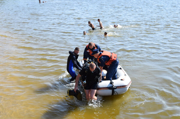 Тело погибшего парня достали из воды николаевские спасатели | Корабелов.ИНФО image 2