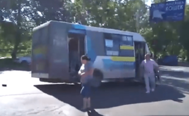 В Николаеве у «маршрутки» № 1 на ходу отвалилось колесо