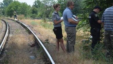 Самоубийца бросился под поезд в Николаеве из-за несчастной любви | Корабелов.ИНФО