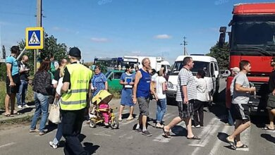 Николаевцы из-за проблем с общественным транспортом на час перекрыли киевскую трассу (ВИДЕО) | Корабелов.ИНФО