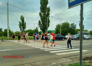 Перекрыли дорогу: жителям Корабельного района, оплатившим электричество, всё же отключили свет (ВИДЕО)