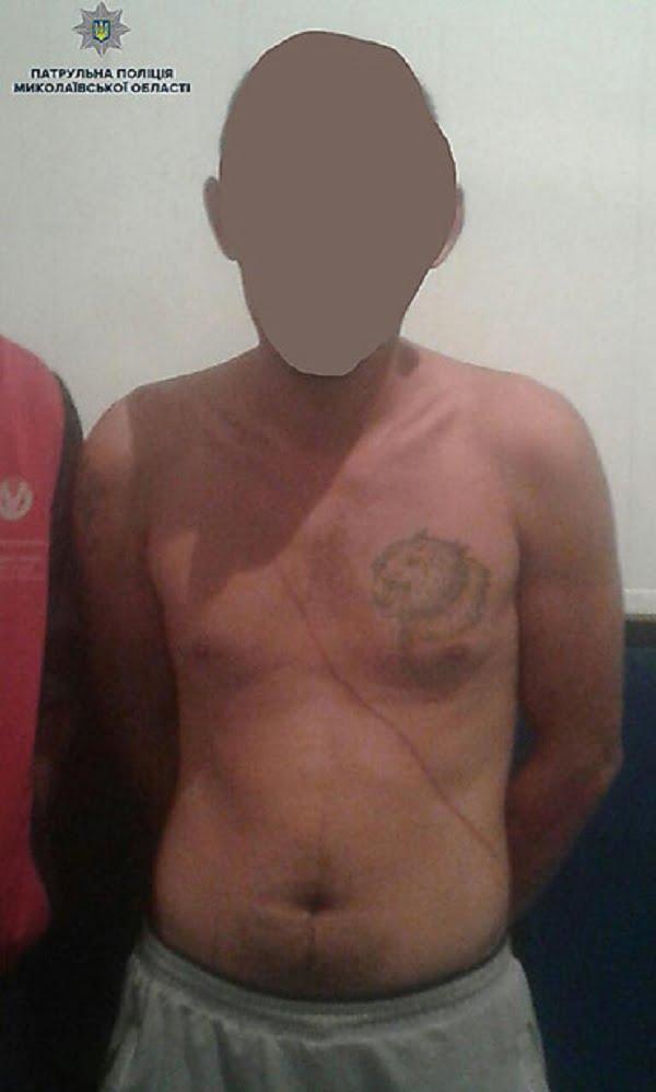 Двое грабителей в Николаеве побили знакомого и забрали у него телефон - их задержали по горячим следам