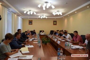 С криками и спорами в Николаевском облсовете вынесли на сессию вопрос о поддержке автокефальной церкви