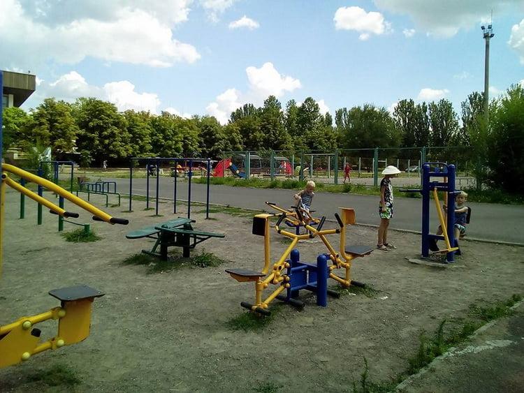 спортивно-игровой комплекс возле скейт-парка
