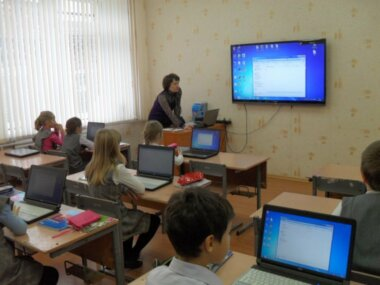В Николаеве для школ горсовет купит ноутбуки, мышки, телевизоры...
