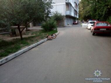 В Николаеве 13-летний подросток за рулем авто сбил 6-летнего мальчика