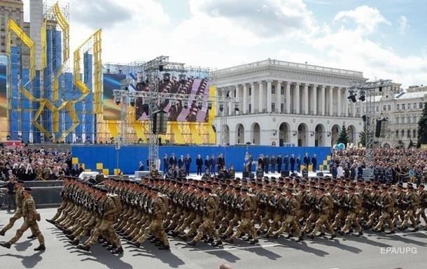 Photo of Президент Порошенко поручил узаконить воинское приветствие «Слава Украине!» и «Героям слава!»