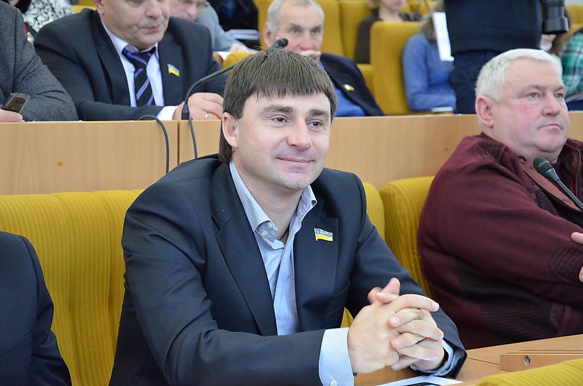 Photo of Депутат от «ОппоБлока» обвинил губернатора Стадника в подкупе и угрозах
