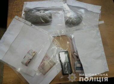 В Николаеве задержали мужчину, который продавал наркотики прямо из дома