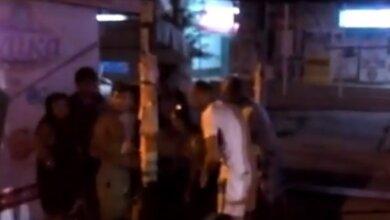 """""""Горячие"""" парни в Николаеве спасли девушку, потерявшую сознание в маршрутке. Водитель же бросил их на остановке   Корабелов.ИНФО"""