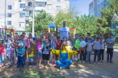 Ильюк открыл детскую площадку в Корабельном районе