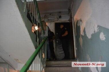Заперся в туалете и не отзывался. В одной из николаевских квартир обнаружили труп мужчины с перерезанным горлом