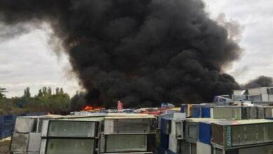 ВИДЕО масштабного пожара на свалке старой техники в Корабельном районе   Корабелов.ИНФО