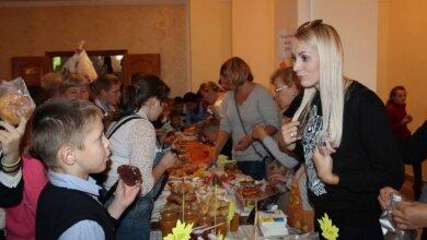 Майже 11 000 грн зібрали на благодійній ярмарці в школі Корабельного району для лікування хворої першокласниці | Корабелов.ИНФО image 7