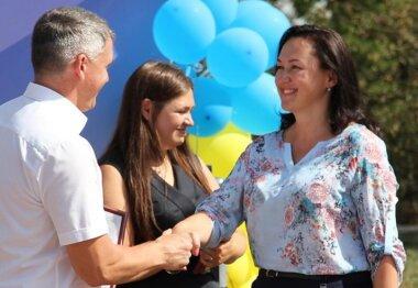 Сенкевич наградил свою соратницу по партии Горбенко в конкурсе, к которому она не имеет отношения