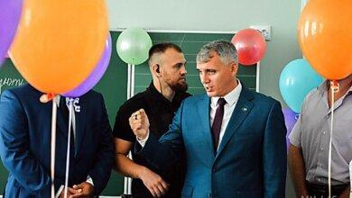 «Выступления чиновников особо не было», – Сенкевич объяснил, почему на линейках опять были политики   Корабелов.ИНФО