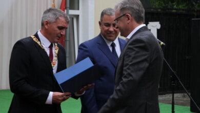 Сенкевич награждает Дуденко