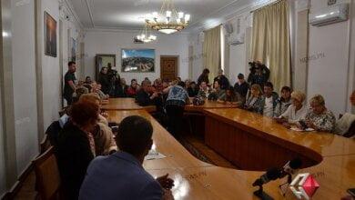 Двухчасовая встреча зоозащитников и противников управляющей компании с мэром Николаева закончилась балаганом   Корабелов.ИНФО image 4