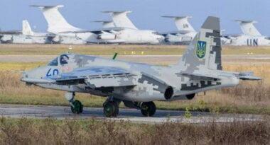 """""""Во дают!"""" Кульбакинские летчики делятся видео экстремального трюка пилотов"""