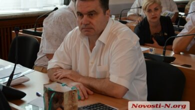 Директор рынка напал на депутата горсовета из Корабельного района   Корабелов.ИНФО