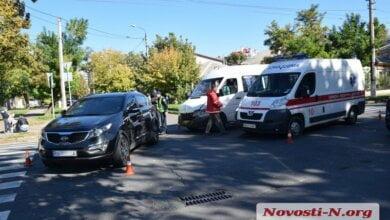 В Николаеве «Киа» столкнулась с маршруткой: пострадали два пассажира | Корабелов.ИНФО