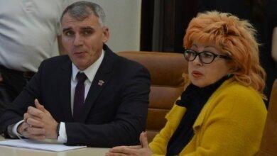 мэр Сенкевич и депутат горсовета Веселовская