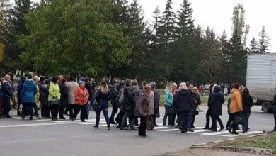 Из-за невыплаты заработной платы медработники на Николаевщине перекрыли трассу на Киев (ВИДЕО)   Корабелов.ИНФО image 1
