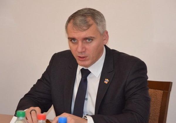 """Photo of """"Если открыть рынки, то люди в очередях будут передавать друг другу вирус"""", – Сенкевич"""