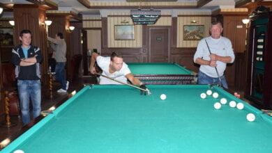 Photo of Портовики в Корабельном районе Николаева выяснили, кто из них лучше играет в бильярд