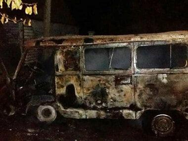 Возле частного дома в Витовском районе горел «УАЗ»