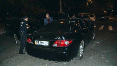Lexus Александра Сенкевича был припаркован в неположенном месте - полиция выписала штраф | Корабелов.ИНФО image 1