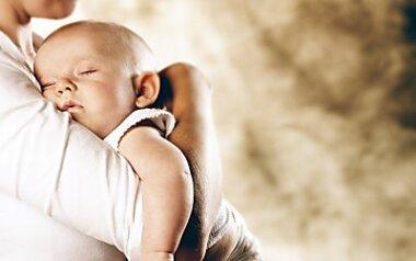 Отвлеклась на других детей: в Николаеве судили многодетную мать, которая по неосторожности удавила своего младенца