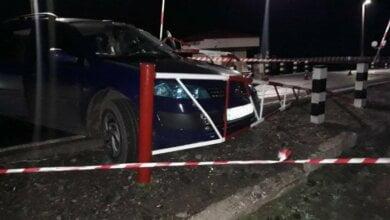 В Николаевской области Renault врезался в железобетонную опору: погиб водитель, двое пострадавших | Корабелов.ИНФО