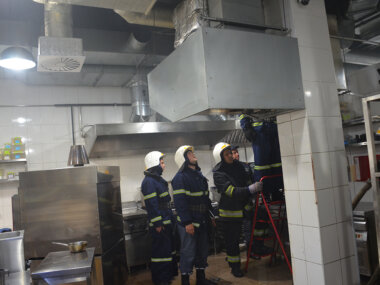 Спасатели оперативно потушили пожар в николаевском ресторане «Мафия»