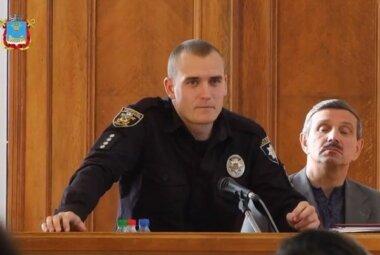 слева - Руслан Тужлов