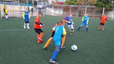юные футболисты